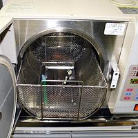 オートクレーブ(高温高圧滅菌器)